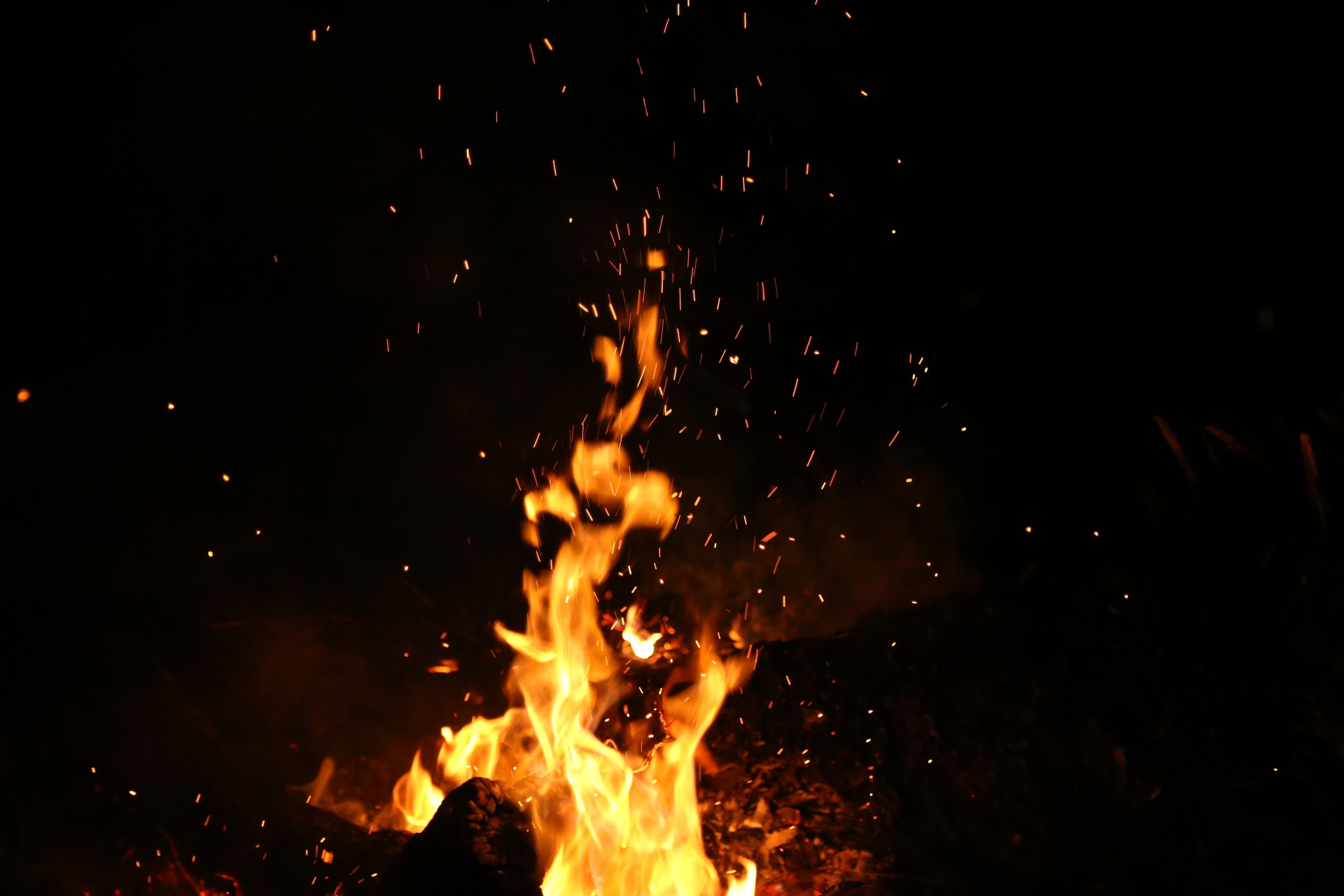 Concierto de Fuego w/ Una Voce